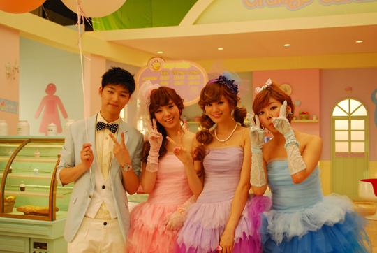 Minhyuk fait une apparition dans le MV des Orange Caramel 201006180801777481_1